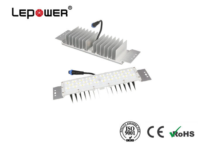 IP66 Waterproof 40w Parking Lot LED Retrofit , DC32 - 38V Aluminum Heat Sink Street Light Retrofit